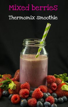 There's nothing quicker or healthier than a fruit smoothie whizzed up in the Thermomix. Here's the recipe for one of our favourite Thermomix smoothies. Mixed Berry Smoothie, Smoothie Mix, Breakfast On The Go, Breakfast Ideas, Easy Mixed Drinks, No Bake Snacks, Fruit Shakes, Mixed Berries, Baileys