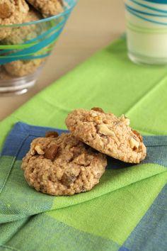 Oatmeal, raisin and walnut cookies Walnut Cookies, Raisin Cookies, Healthy Sweets, Food Photo, The One, Oatmeal, Desserts, Recipes, The Oatmeal