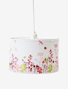 Abat-jour à suspendre Love pink blanc imprimé - Cet abat-jour amène une note fraîche à la déco des petits fans de nature joyeuse !DIMENSIONS : hauteur : 20 cm, diamètre 30 cm.  Abat-jour recouvert d