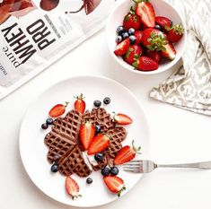 Csokis fehérje gofri #protein #highprotein #muscle #fitness #gymfood Gym Food, High Protein, Waffles, Muscle Fitness, Breakfast, Morning Coffee, Waffle