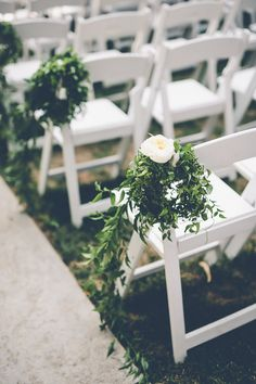 For Megan and Stanley's gorgeous wedding, a white, green and gold color theme was the name of the game. The couple celebrated with a casual yet elegant wedding that was planned beautifully by Bright Blue Events. The decor of this wedding included tons of full white floral arrangements, hints of gold sparkle here and there and […]