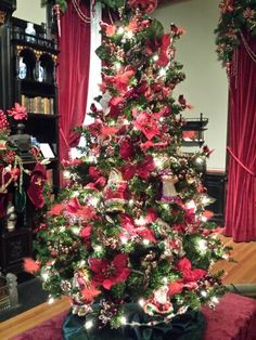 Victorian red Christmas tree at The Glenview Mansion at The Hudson River Museum, Yonkers, NY