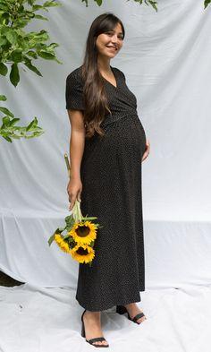 4b2e2243f29 Robe de grossesse cache-cœur de la créatrice Paula Janz. La coupe féminine  met