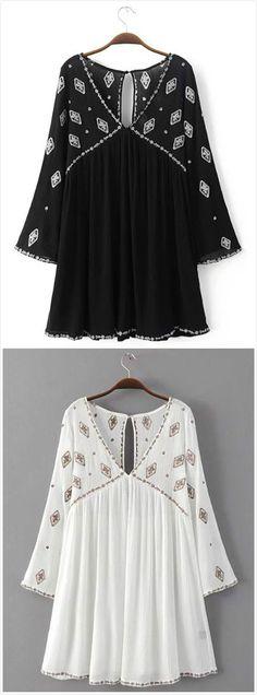 Women's Geometric Print Keyhole Back Deep V Dress.Check more from www.oasap.com .