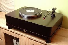 Homebuilt Hi End - where the boundaries simply doesn't exist! Diy Turntable, High End Turntables, Hi End, Audio Design, Diy Speakers, Home Theater Rooms, Record Players, High End Audio, Phonograph