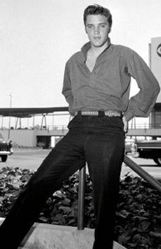 Elvis Teen Idol Photos-- Elvis at 21