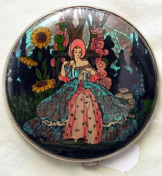 VINTAGE GWENDA COMPACT WITH BUTTERFLY WING DESIGN