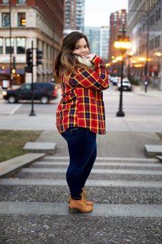 natalie off duty, Natalie Craig, lazy fashion, simple fashion, plaid shirt, plaid button up, oversized, chicago, timberlands, american eagle jeans, natalie in the city, plus size fashion blogger, winter fashion, chicago street style, infinity scarf, thick girls, bbw, curvy women, embrace your curves, jeans for curvy girls,