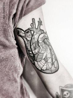 Nouvelle Rita~best anatomical heart tattoo I've ever seen | Repinned by @stanloomis
