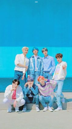 Bts Taehyung, Bts Bangtan Boy, Bts Jimin, Namjoon, Foto Bts, Bts Wallpaper Lyrics, Red Wallpaper, Bts Group Photos, Bts Group Picture