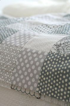 Quilt in greys