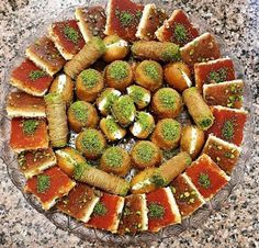 Palestine Food, Pizza Pockets, Dessert Recipes, Desserts, Homeland, Scenery, Food And Drink, Candy, Foods