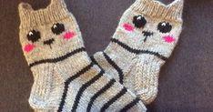 Nyt kun joulu on ihan ovella ja kaikille on jo lahjat paketissa, oli minulla aikaa nyt tehdä itsellekki jouluksi uudet sukat. Malli löytyy n... Knitting For Kids, Crochet For Kids, Knitting Projects, Baby Knitting, Knitting Patterns, Knit Mittens, Knitted Blankets, Knitting Socks, Crochet Needles