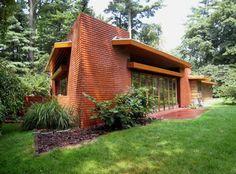 Frank Lloyd Wright's Usonian Houses - The Richardson house was based on a hexagonal module.