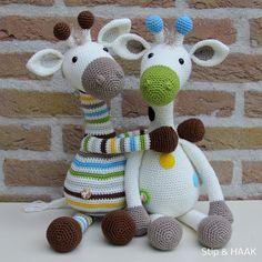 Are you looking for a Crochet Giraffe Free Pattern? Crochet Amigurumi, Amigurumi Toys, Amigurumi Patterns, Crochet Dolls, Crochet Animal Patterns, Stuffed Animal Patterns, Crochet Animals, Giraffe Art, Yarn Bombing