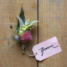 Swallows Nest Farm: Late Summer Wedding at Avalon Coastal Retreat Wedding Cakes With Flowers, Wedding Flower Arrangements, Bridal Flowers, Flowers In Hair, Wedding Bouquets, Floral Arrangements, Nigella, Buttonhole Flowers, Wedding Buttonholes
