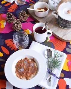 Kattaus / Table Setting, Marimekko Marimekko, Table Settings, Eat, Tableware, Kitchen, Home Decor, Cuisine, Homemade Home Decor, Dinnerware