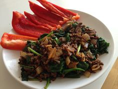 Image from http://authoritynutrition.com/wp-content/uploads/2013/04/ground-beef-and-vegetables.jpg.