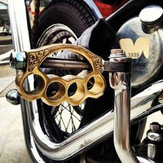 brass knuckle kick starter