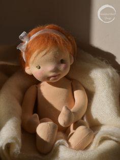 Organic Baby Waldorf doll by Waldorfdollshop Tiny Dolls, New Dolls, Soft Dolls, Reborn Babypuppen, Reborn Baby Dolls, Antique Dolls, Vintage Dolls, Mini Bebidas, Homemade Dolls