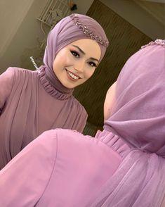 Asian Wedding Dress, Muslim Wedding Dresses, Hijabi Girl, Girl Hijab, Hijab Prom Dress, Wedding Hijab Styles, Mode Turban, Hijab Style Tutorial, Niqab Fashion