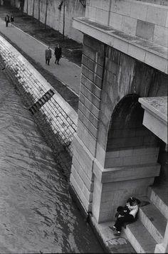 H. Cartier-Bresson • L'amour, toujours, au fil du temps, et de l'eau ! ! !