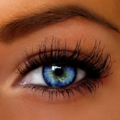 Love her natural lashes <3