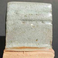 Category: Glaze, Iron, Celadon, Author: Clara Giorello, Notes: El tono del esmalte es más acelestado que en la foto