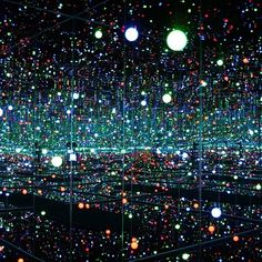 "Yayoi Kusama's ""Fireflies on the Water"" Room"