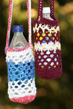 And to think, I just wrote a pattern for these, and they were on Ravelry to whole time. Mesh water bottle holders by Just me. Crochet Crafts, Yarn Crafts, Crochet Projects, Free Crochet, Crochet Baby, Crochet Summer, Water Bottle Carrier, Water Bottle Holders, Diy Accessoires