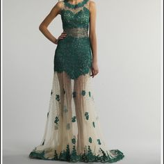 Dave and Johnny prom dress In perfect condition work once beautiful on Dave snd johnny Dresses