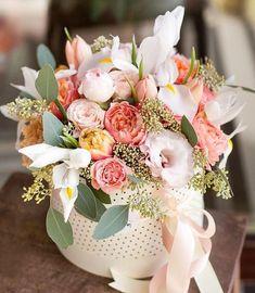 Stunning Valentine's Floral Arrangement Ideas Amazing Flowers, My Flower, Beautiful Flowers, Beautiful Flower Arrangements, Floral Arrangements, Happy Birthday Flower, Deco Floral, Floral Centerpieces, Flower Boxes