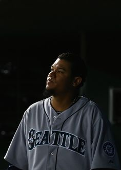 Felix Hernandez #34 of the Seattle Mariners reacts after being pulled against the Texas Rangers in the bottom of the eighth inning at Globe ...
