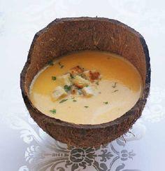 Mit diesem Rezept zaubern Sie eine delikate Vorspeise. Die Rübli-Kokos-Suppe schmeckt lecker und unwiderstehlich.