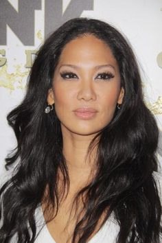 The kind of hot momma I'd like to be in the not so distant future. I love her hair, her lips, her witty mouthy, and her mogul self. You Kimora is my future hero. Kimora Lee Simmons, Natural Hair Styles, Long Hair Styles, Celebrity Moms, Celebs, Celebrities, Asian Beauty, Black Beauty, Famous Faces