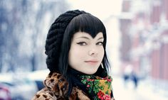 <3 bang  I want my bangs like this RIGHT NOW!  I love that cut with the right face, it shapes the face into a heart.