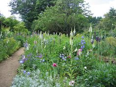 9 Impressive Cottage Gardens: Learn From the Masters: Gardeners looking for guidance in creating a cottage garden may get inspiration from the gardens of Gertrude Jekyll, like the garden at Munstead Wood in Busbridge, England. U.S. citizens unable to see her works in England can see her garden design at The Glebe House in Woodbury, Connecticut.