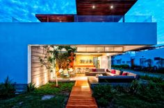 #Architect Martin Dulanto designed the #Casa Seta for a family in Lima, Peru.