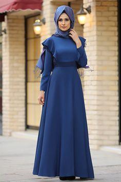 The perfect addition to any Muslimah outfit, shop Gizem Kış's stylish Muslim fashion Indigo - Crew neck - Fully Lined - Dresses. Fashion Mode, Abaya Fashion, Modest Fashion, Fashion Clothes, Fashion Dresses, Hijab Dress Party, Hijab Style Dress, Hijab Outfit, Estilo Abaya