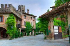 Grazzano_1 Armelle, Travel Destinations, To Go, Mansions, House Styles, Bologna, Scale, Italia, Culture