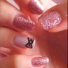 I wish I could wear nail polish at work :(