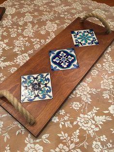 Ceramic Art on wood Tile Crafts, Wooden Crafts, Diy And Crafts, Arts And Crafts, Ceramic Painting, Ceramic Art, Wood Projects, Woodworking Projects, Tuile