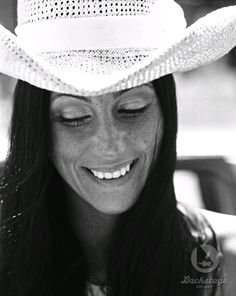 1975 CHER arrives in Minneapolis