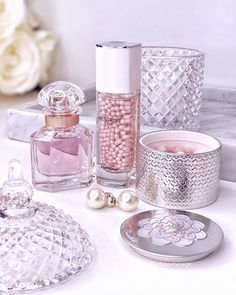 Guerlain Makeup, Flawless Makeup, Luxury Beauty, Good Skin, Body Care, Manicure, Hair Makeup, Perfume Bottles, Fragrance