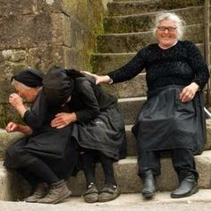 Laughter:) ladyragnell: Risas e loito. Xacobe Casal Sistelo, Viana do Castelo (Portugal) via (amydruliner) Young At Heart, People Of The World, Happy People, Belle Photo, Make You Smile, Laugh Out Loud, Beautiful People, Beautiful Moments, Laughter