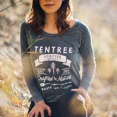 Ten Tree clothing company - 10 trees are planted for every item purchased. Trekking Outfit, 10 Tree, Ethical Clothing, Hippie Outfits, Outdoor Outfit, Clothing Company, Signature Style, Dress Codes, Check It Out