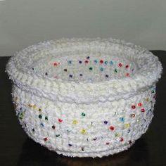 Crochet CD basket: free pattern