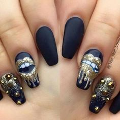 Awesome nail art with lips