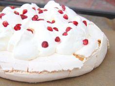 Mini Pavlova, Cheesecake, Food, Food Cakes, Cheesecakes, Essen, Meals, Yemek, Cherry Cheesecake Shooters