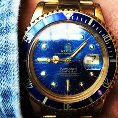Solid gold Rolex Submariner 1680 #iconicpieces #rolex #submariner #rolexpassion #vintagerolex #rolexvintage #16808 #1680 #vintagediver #watchfam #vintagewatches #watchoftheday #menstyle #goldwatch #luxury #denim #instacool #iconicpieces_com